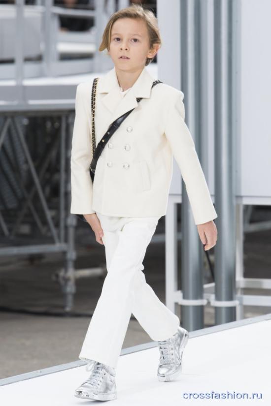 Chanel fall 2017 2018 42