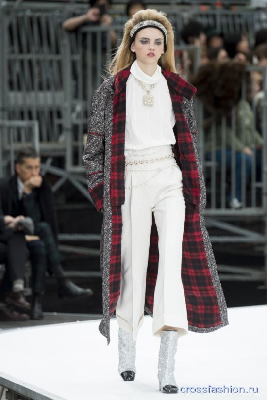 Chanel fall 2017 2018 18