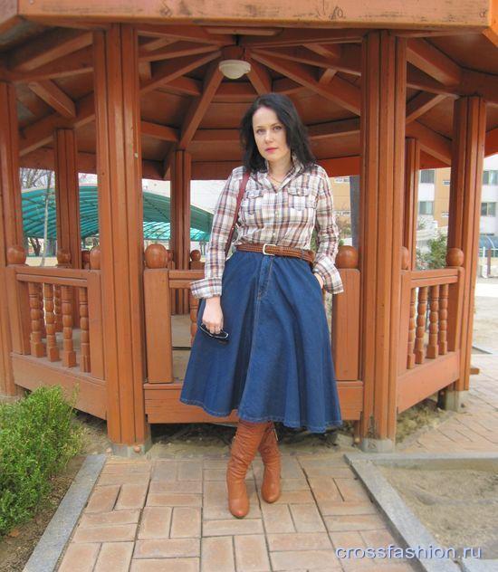 Деним никогда не выходил из моды, однако именно нынешней весной джинсовые юбки, сарафаны, платья и рубашки будут особенно популярны, во всяком случае