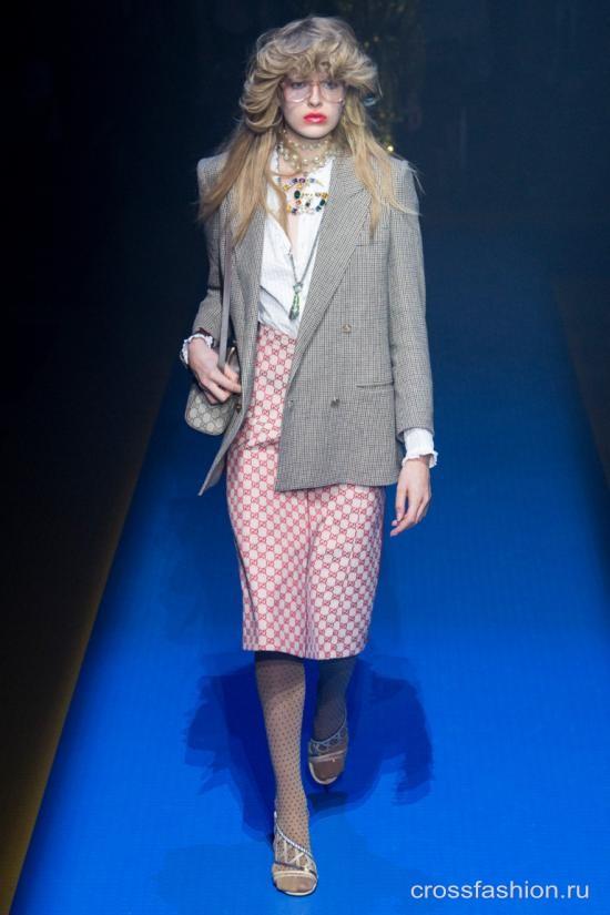 Crossfashion Group - Gucci коллекция женской одежды весна-лето 2018 ac0575a6518