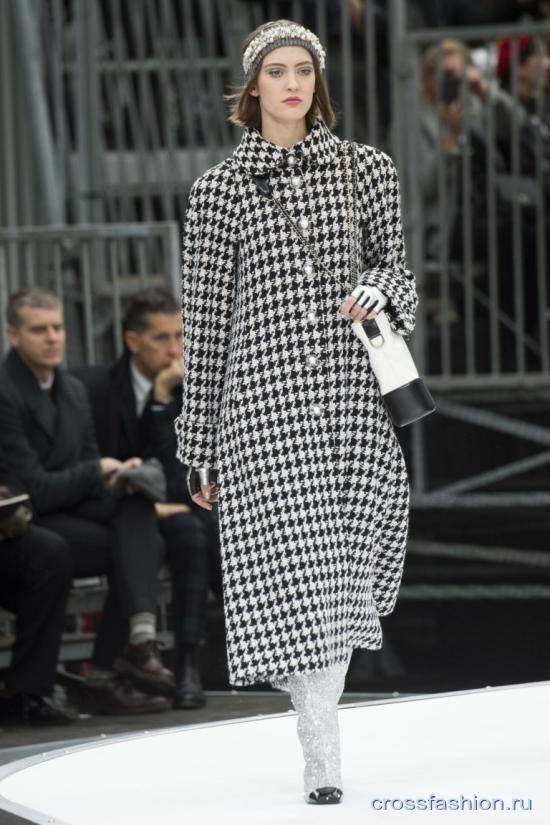 Chanel fall 2017 2018 23