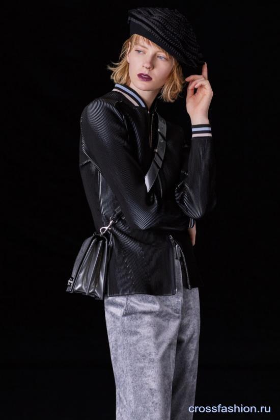Адаптируем черный к летнему колориту на примере коллекции Giorgio Armani pre-fall 2018