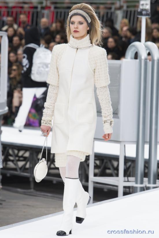 Chanel fall 2017 2018 35