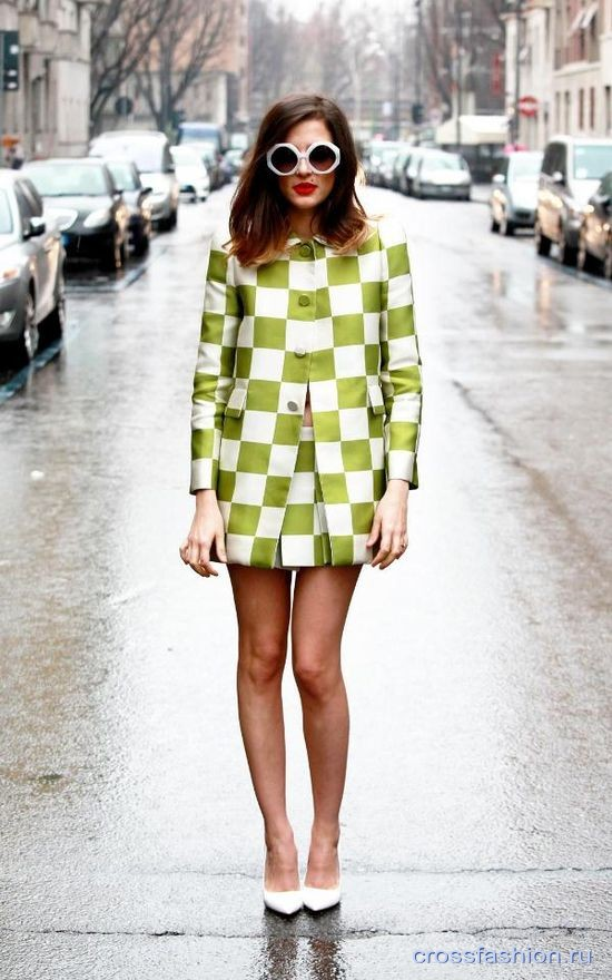 русский стиль с красной юбкой, узнать больше от нашего веб-сайта Обратите внимание на фотографии на эту тему: зимние сарафаны фото , женские убки