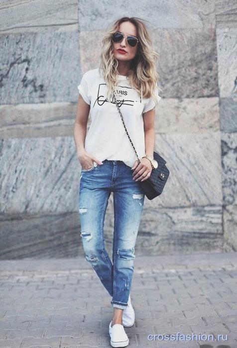 футболка и джинсы фото