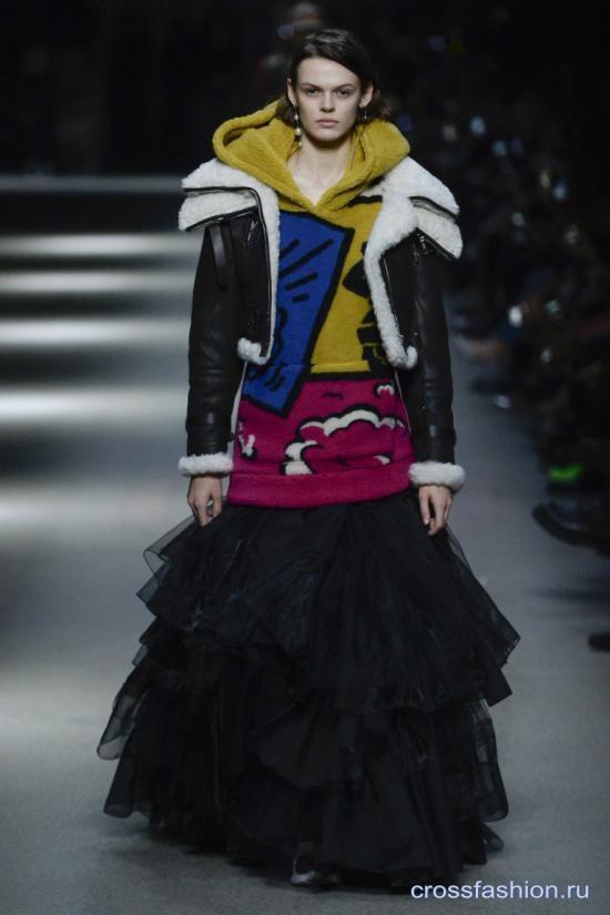 Burberry коллекция мужской и женской одежды весна-лето 2018