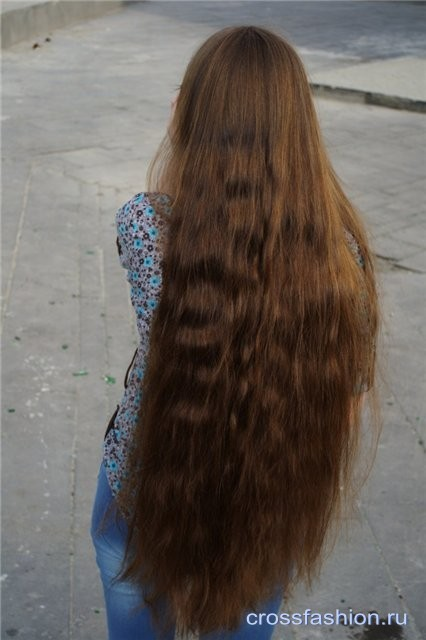 Фото девушек со спины брюнетки с длинными