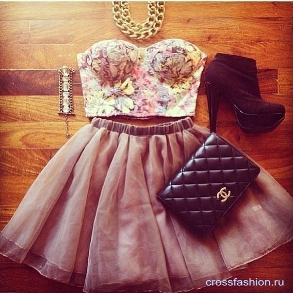 Топа-бюстье и юбка