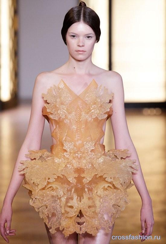 Платья на 3D принтере голландского дизайнера Ирис ван Харпен
