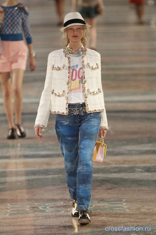 Chanel resort 2017 10