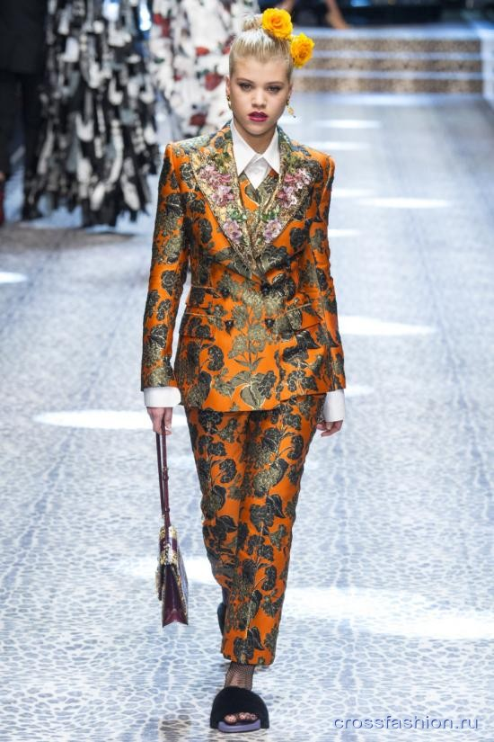20cbe858224 Crossfashion Group - Dolce Gabbana коллекция женской и мужской ...