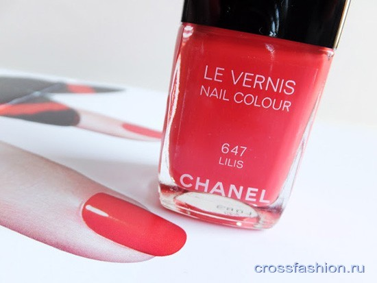 Chanel-Le-Vernis-Nail-Colour-in-647-Lilis summer-2013
